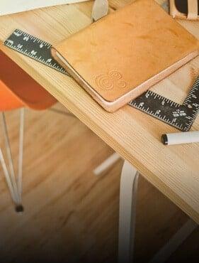 Ein Schreibtisch